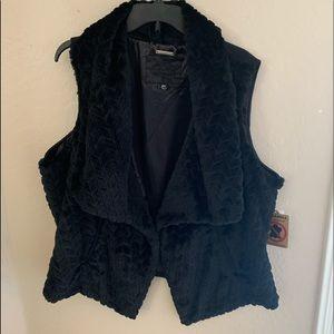 Jou Jou Women's Vegan Faux Fur Black Vest